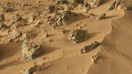 An image taken by the Curiosity rover shows a wind-blown deposit dubbed
