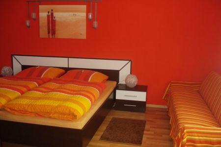warme farben im schlafzimmer