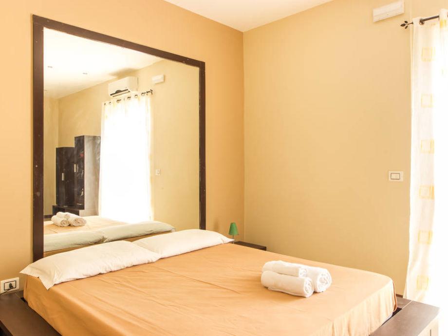 Stunning Spiegel Im Schlafzimmer Images - Brentwoodseasidecabins.com ...
