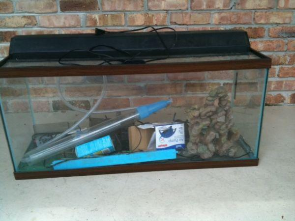 55 gallon fish tank   (West Mobile) for Sale in Mobile, Alabama