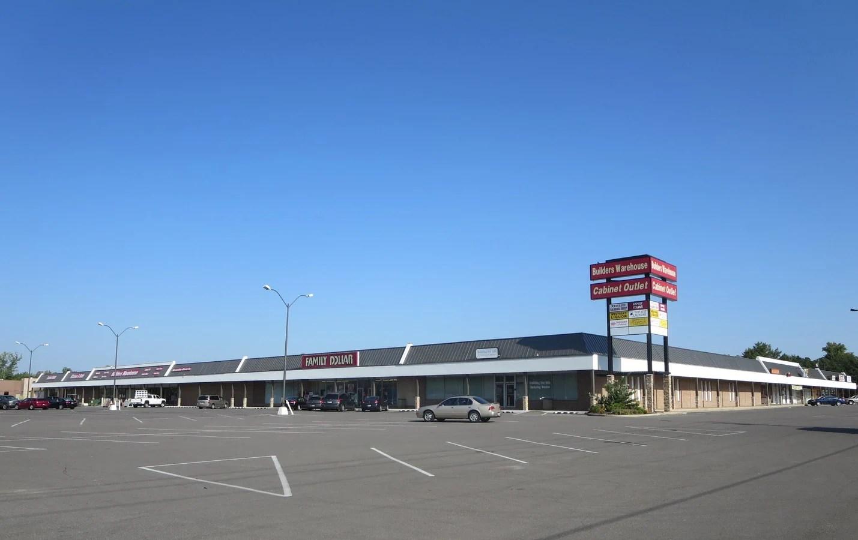 Enamour Lease Metro Builders Warehouse Okc Westoaks Village Nw Oklahoma Property houzz-03 Builders Warehouse Okc