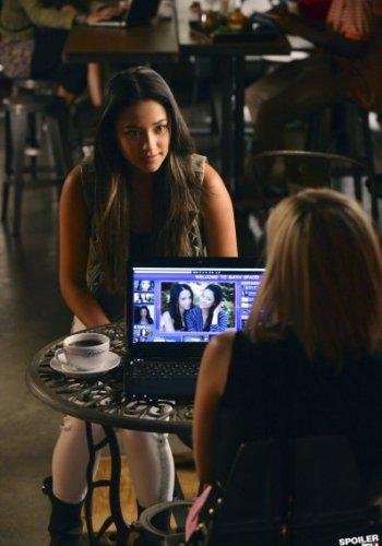 Pretty Little Liars - What Lies Beneath Online S03E10