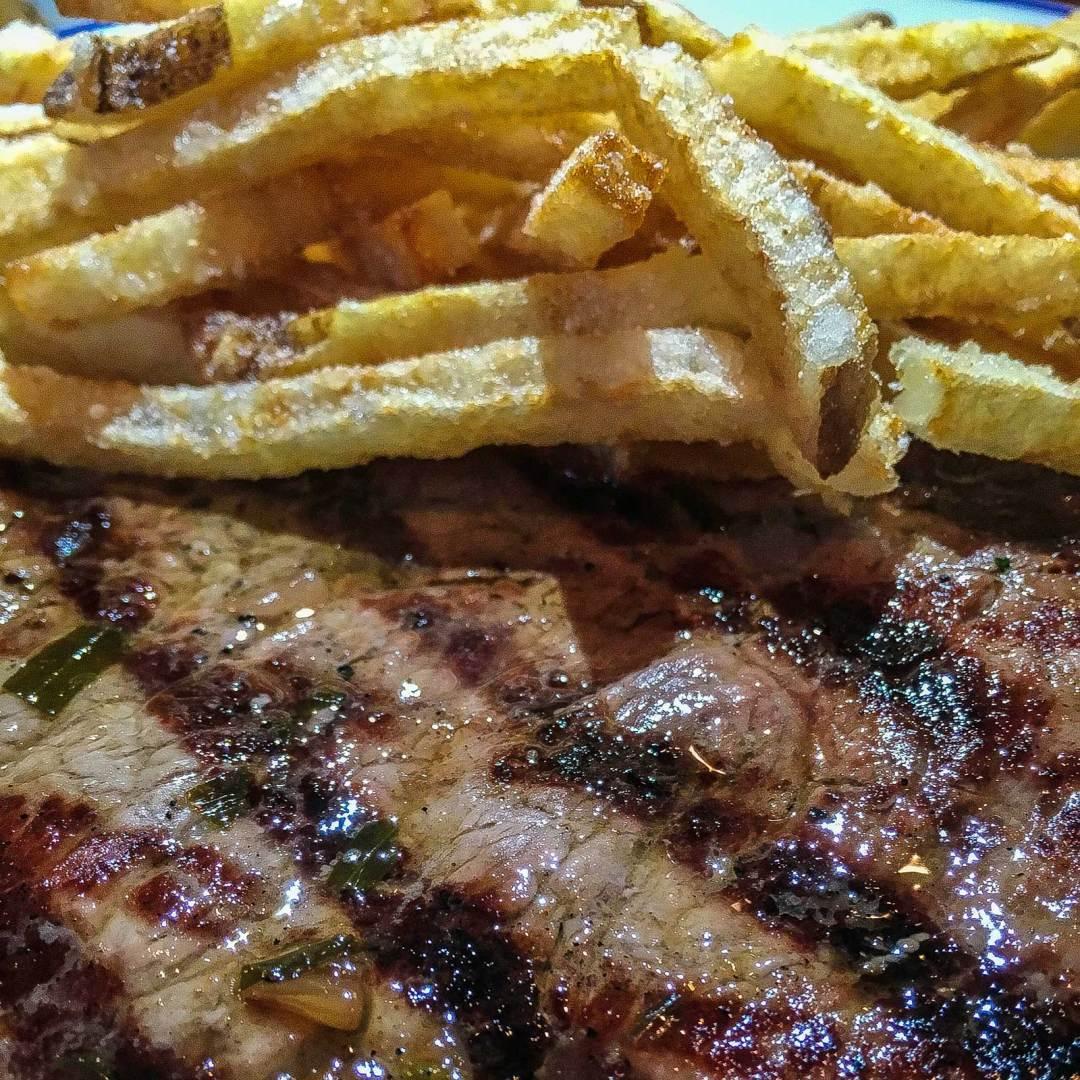 steak-&-frites-at-Rubicon-Harrisburg-1600x1600