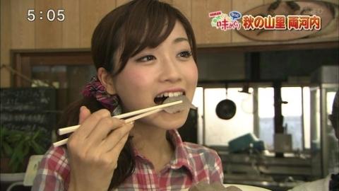 【擬似フェラキャプ画像】可愛い顔したタレント達がそんな卑猥な顔して食レポするんだw 06