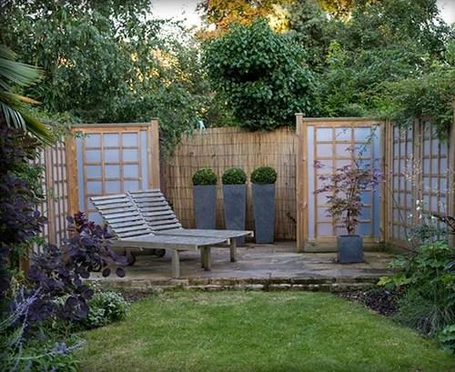дизайн патио в саду