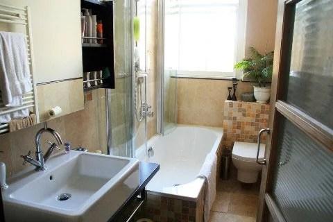 интерьер маленькой ванной комнаты