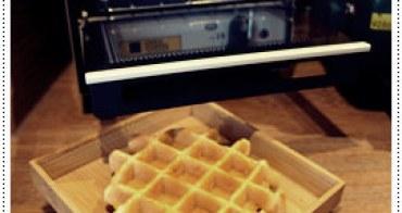 【台中西區】Oven coffee烤香- 列日鬆餅 x 咖啡