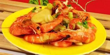 【手作料理】食譜。啤酒蝦。讓另一半對你刮目相看的吮指美味!