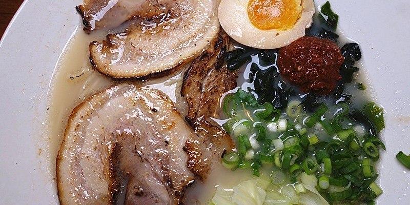 【彰化員林拉麵】角屋拉麵 ;員林第一家投幣式拉麵!叉燒炙燒過是特色,口味清爽間帶點濃郁感。