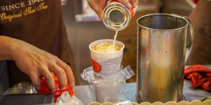 泰國手標泰式奶茶   手標牌ChaTraMue(terminal 21店),泰國必喝超人氣泰式奶茶,獨家風味讓人回味無窮。