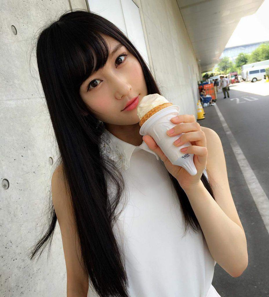 矢倉楓子のアイス舐めがエロすぎンゴwww意識してるだろうwww