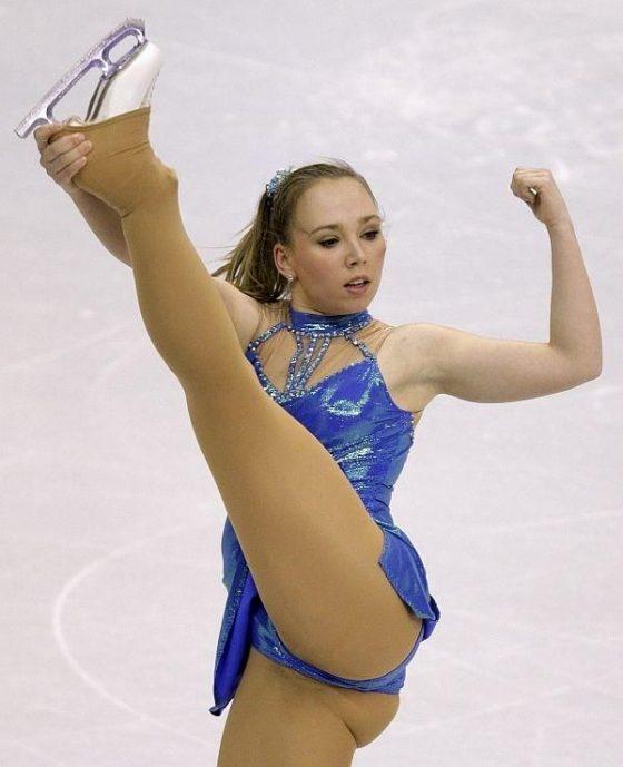 女子フィギュアスケートってマン肉まで晒して頑張るもんなの?wwwwwこれは演技の加点対象か!?wwwww(画像あり)