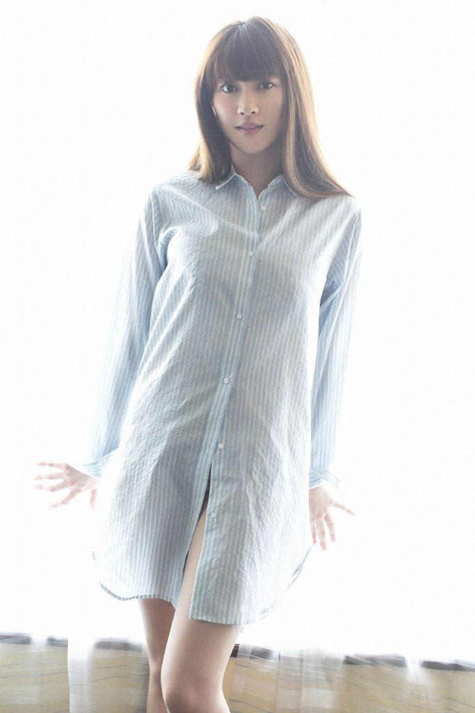 原幹恵のYシャツ姿が色々妄想させてくれるwww