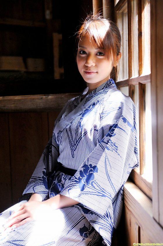 激かわハーフAV女優の脱いでないけどかわいい写真集画像!