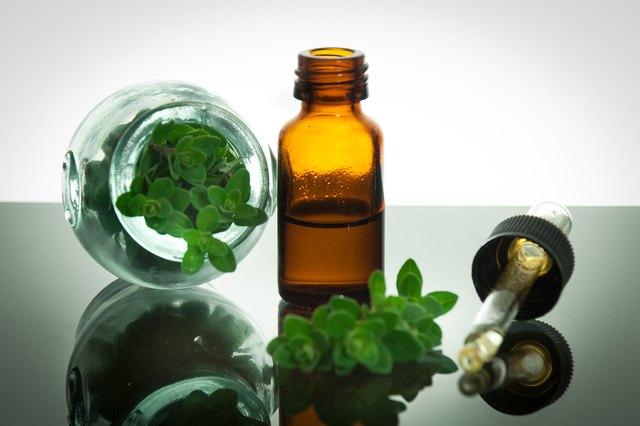 Oregano oil has powerful anti-inflammatory, antibacterial and antiviral properties.