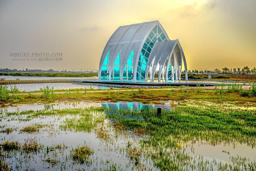 【台南】。北門拍照景點:白色水晶教堂、看日落鹽田@台南北門半日遊