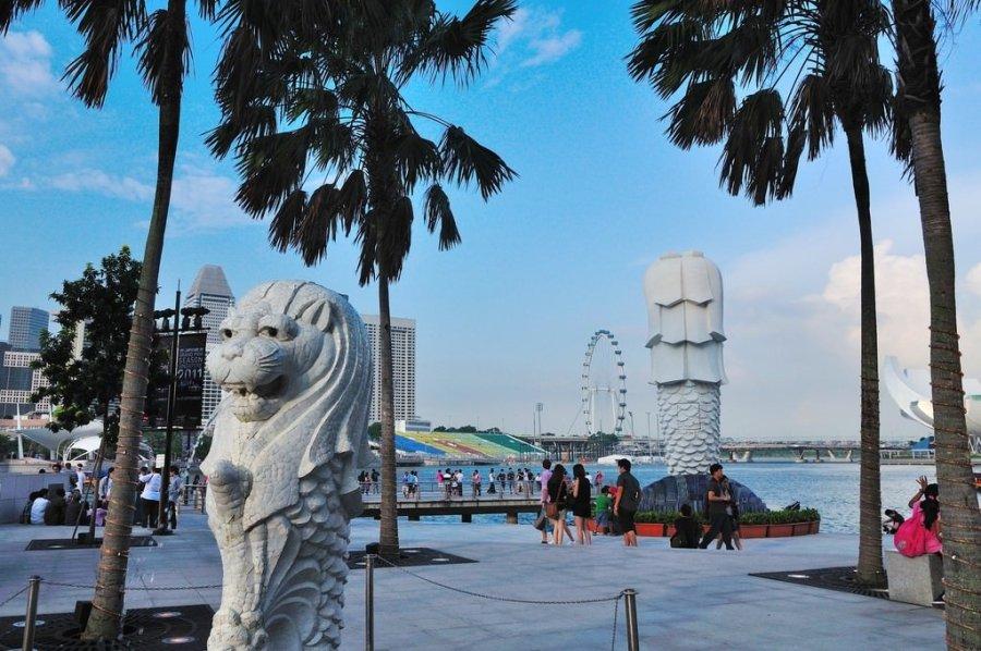 【新加坡】。搭乘MRT遊走在新加坡 - 簡易版路線 Part.2 │ 新加坡河畔克拉碼頭。濱海藝術中心。濱海灣金沙酒店