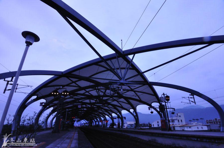 【宜蘭】。羅東新景點~冬山車站