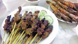 新加坡美食|老巴刹吃沙爹及海鮮燒烤串