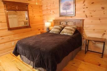 Downstairs Bedroom at Auburn Sky in Shagbark TN