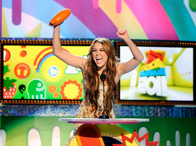 Miley hung out at the Kids' Choice Awards instead of smoking weed...