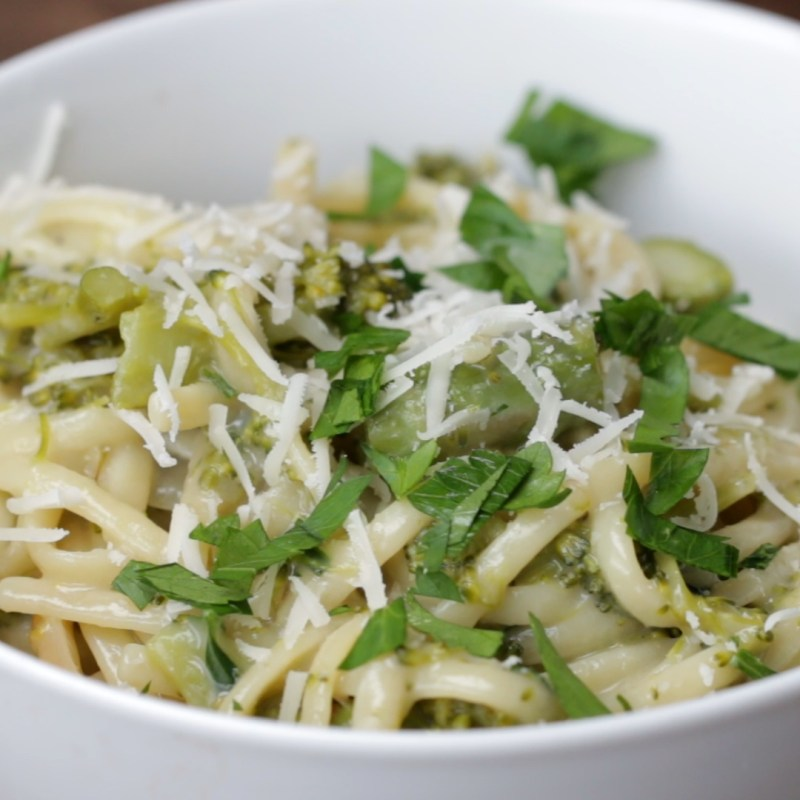 Large Of Creamy Pasta Primavera