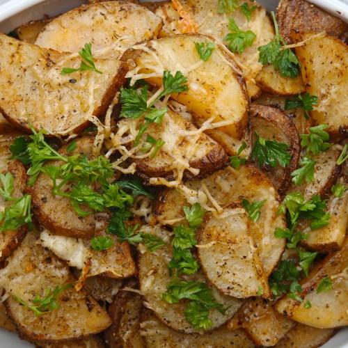 Tremendous Roasted Garlic Parmesan Potatoes Recipe By Tasty Garlic Parmesan Potatoes Tasty Garlic Parmesan Potatoes Skillet