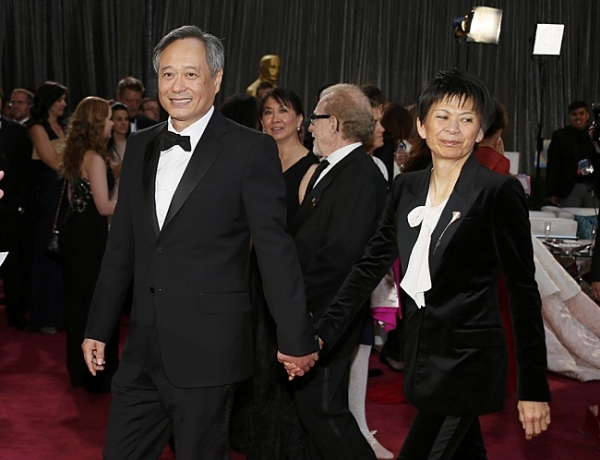 Chinese director Ang Lee with his wife Jane Lin at the 85th Oscars.