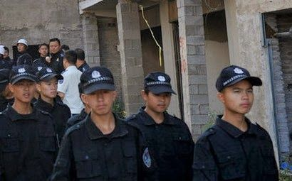chinese-student-forced-demolition-in-fake-police-uniform-04