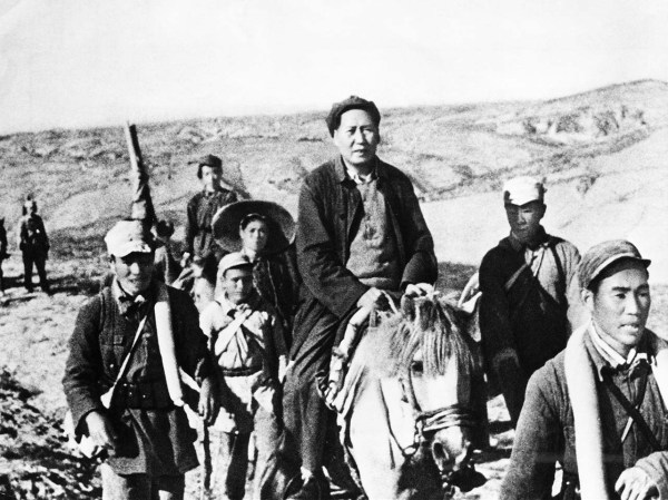 mao-zedong-17-1947-mao-on-horseback