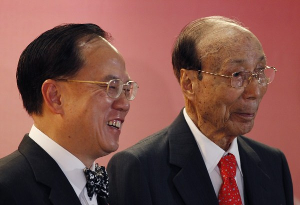 Sir Run Run Shaw and Zeng Yinquan.