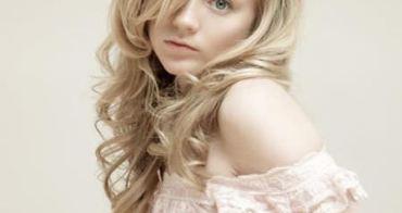 《陰屍路》娃娃臉正妹 愛蜜莉金妮(Emily Kinney)