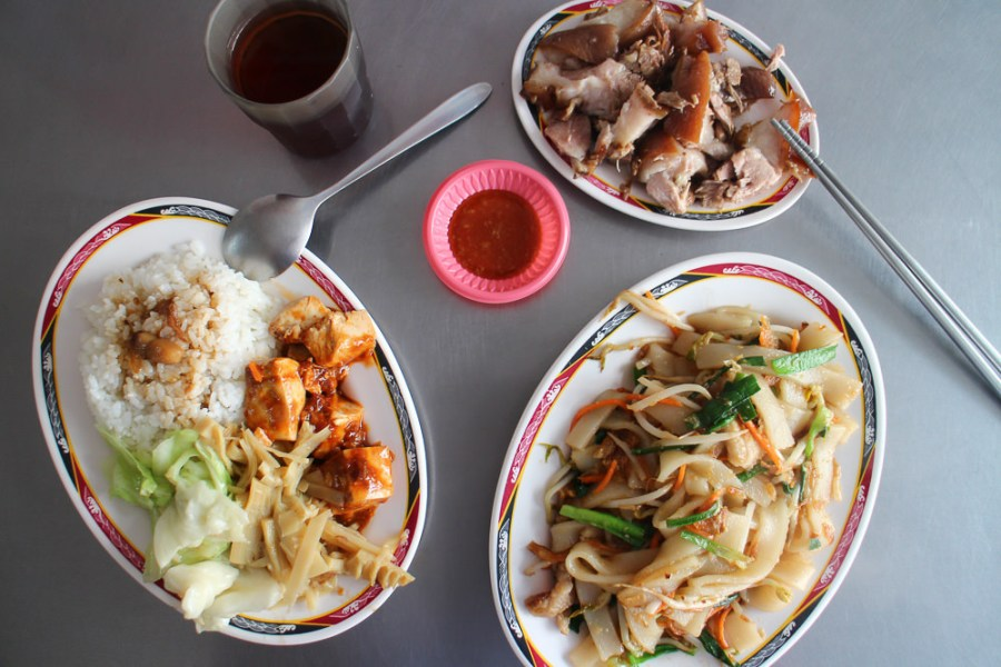 台南 永康復國路上的萬巒豬腳店家 台南市永康區|李記萬巒豬腳