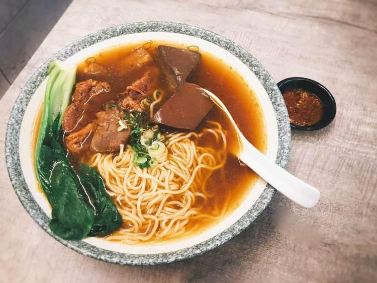 食徒 》忠孝敦化捷運站火鍋   罌粟鮮麻鴨血牛肉麵    Loyal Chef Beef Noodle