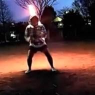 【おもしろ動画集:馬鹿】奥義影分身の術!!背中が燃える→そのまま炎上w