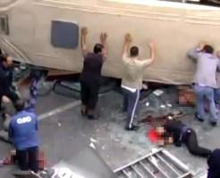 【グロ動画:車】高速からバス落下、歩行者に直撃・・・ぺっちゃんこで血だらけ;