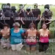 【グロ動画:惨殺】メキシコ鬼畜映像・・・半裸の女性を並べて銃や斧で惨殺