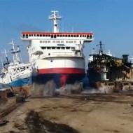 【事故:失敗】巨大な船が港で駐車ぁぁぁああぁああああ!