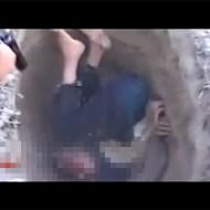 【戦争:殺人】幼い少年をスパイ容疑で目隠し射殺・・・
