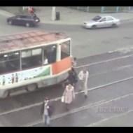 【グロ注意】路面バスでもバックできた!3人ほど轢いたけど・・・