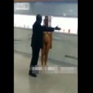 【エロ注意】若い女性が全裸でショッピングモールに行った結果w ※動画有り