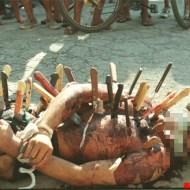 【殺人未遂】酔った男が首にナイフを突き刺す殺人映像・・・