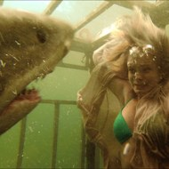 【閲覧注意】サメのお腹の中から女性が出てきた・・・ グロ動画