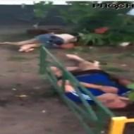 【グロ動画】飛び降り死体に近づくと・・・二人目が落ちてきた