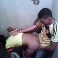 【本物盗撮】トイレでSEXしてるカップルwイクまで盗撮したったwww