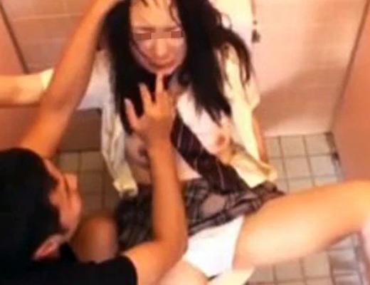 【レイプ】新宿のトイレでレ●プ未遂の事件あったがもしかしたらこんな事が実際に起きてたんだな・・・