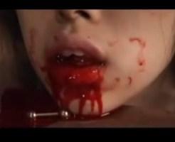 【閲覧注意】少女の舌を斬っていくグロ動画がヤバ過ぎる・・・