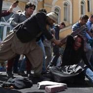 【閲覧注意】イスラム教の聖書コーランを燃やした若い女性はこうなる・・・ ※処刑動画