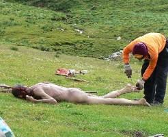 【グ●動画】女の子の死体発見したらまず通報するよな?ロシア少年の行動が猟奇的なんだが・・・ ※閲覧注意