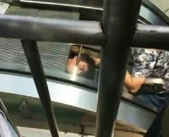 【閲覧注意】中国でエスカレーターの保守点検をしていた作業員が巻き込まれてしまうという恐ろしい事故が...